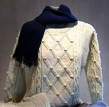 Shropshire shhep, sweater knitted with Shropshire yarn